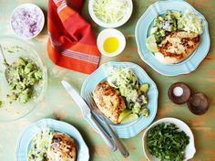 Pan Grilled Chicken with Avocado and Red Onion Salsa Recipe - Genius Kitchen Pan Grilled Chicken, Best Grilled Chicken Recipe, Bbq Chicken, How To Cook Chicken, Keto Chicken, Cilantro Chicken, Honey Garlic Chicken, Grilling Recipes, Cooking Recipes