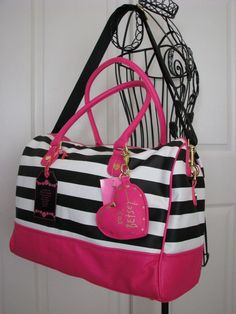 BETSEY JOHNSON BLACK & WHITE STRIPE PINK HEART WEEKENDER/TRAVEL BAG