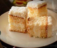Romanian Food, Cake Cookies, Cornbread, Vanilla Cake, Good Food, Food And Drink, Vegan, Cooking, Ethnic Recipes