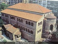 The Achiropiitos Church as well as the church of Agia Sofia and of St Dimitrios are the most important early Christian monuments of Thessaloniki. Macedonia Greece, Thessaloniki, Greece Travel, Crete, Greek Islands, Amazing Architecture, Exterior Design, Travel Guide, House Styles