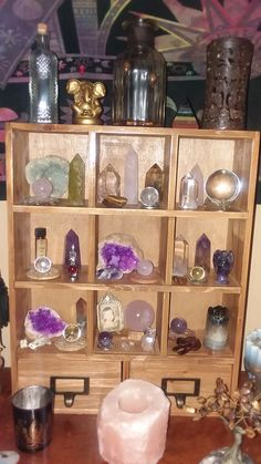 Crystal Room Decor, Rock Tumbling, Witch Board, Displaying Crystals, Crystal Shelves, Diy Crystals, Diy Wood Projects, Display Shelves, Bedroom Inspo