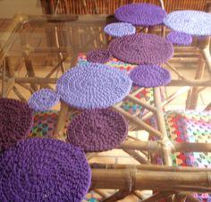 CAMINOS DE MESA TEJIDOS AL CROCHET Baby Blanket Crochet, Crochet Baby, Handicraft, Table Runners, Crochet Projects, Diy And Crafts, Crochet Necklace, Projects To Try, Crochet Patterns