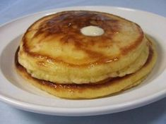 The Rockin' Housewife: Homemade pancakes! It's a lot easier than it looks. Dutch Recipes, Low Carb Recipes, Cooking Recipes, Low Carb Breakfast, Breakfast Recipes, Pancake Breakfast, Low Carb Low Fat, Weigt Watchers, Good Food
