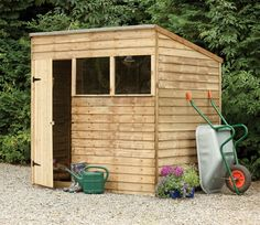 You'll love the way this 7ft x 5ft Overlap Pent Shed from Forest fits so neatly into a small garden. Place up against a boundary or wall and you'll have a generously sized space in which to store all your garden equipment and furniture.