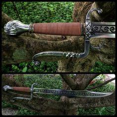 Intricately decorates messer sword