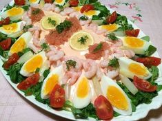 Laks Bellevue – retro for fuld udblæsning Danish Cuisine, Danish Food, Food N, Good Food, Food And Drink, Feta, Shellfish Recipes, Cooking Recipes, Healthy Recipes