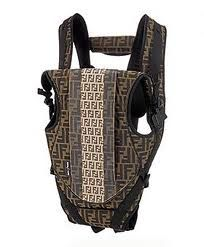 Fendi does it again. Will someone tell Fendi and Aprica that slapping a logo all over a base model product does not make it a luxury good. Luxury Baby Clothes, Designer Baby Clothes, Baby Kids Clothes, Kids Clothing, Cute Baby Names, Cute Babies, Luxury Diaper Bag, Best Convertible Car Seat, Fendi