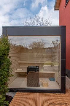 Design garden sauna with panoramic glazing – black box by design @ garten – Alfred Hart – design garden house and balcony cabinets from Augsburg Outdoor Sauna, Jacuzzi Outdoor, Outdoor Decor, Gazebo, Pergola With Roof, Saunas, Design Sauna, Sauna House, Getaway Cabins