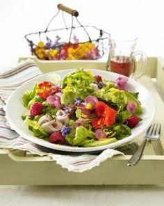 Gemischter-Bluetensalat-mit-Putenbrustaufschnitt.html