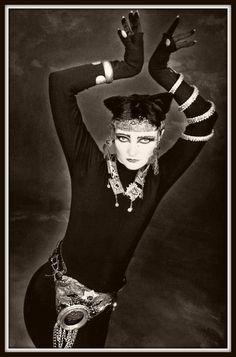 Siouxsie Sioux as Bastet. Siouxsie Sioux, Siouxsie & The Banshees, James Dean, We Will Rock You, Robert Smith, Punk Goth, 80s Goth, Gothic Rock, Ice Queen
