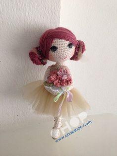 tutu on crochet doll! Crochet Crafts, Yarn Crafts, Crochet Toys, Crochet Projects, Knit Crochet, Crochet Quilt, Love Crochet, Beautiful Crochet, Doll Patterns