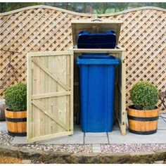 Perfect for hiding 140l or 240l wheelie bins from view, this Single Chest Wooden Bin Store is a fabulous garden addition