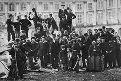 Un père éditeur et son fils historien remettent les pendules à l'heure, sans sectarisme, à propos de l'anarchie. Ce faisant, ils pourfendent un grand nombre d'idées reçues sur ce mouvement généreux et utopique, qui a toujours un peu nagé dans le flou....