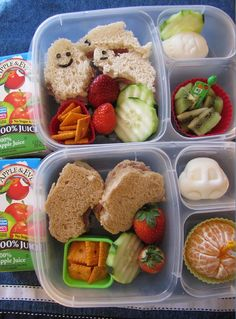Lily Anette's kids enjoy having lunch together and particularly like to be served in their EasyLunchBoxes.  They know there is always a variety of food that their mom will put in there.  Thanks to Lily Anette for sharing.