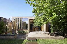 Completed in 2016 in Ballarat, Australia. Images by Christine Francis. Wooden Box House is a turn-of-the-century weatherboard home that merges Victorian heritage with a contemporary extension to house a growing family....