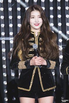 ถูกฝังไว้ Stage Outfits, Dress Outfits, Cute Outfits, Kpop Girl Groups, Kpop Girls, Cool Girl, My Girl, Seoul, Gfriend Sowon