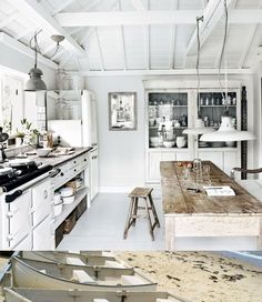 Can I please eat scrambled egg whites while reading the newspaper in this kitchen? Thanks.
