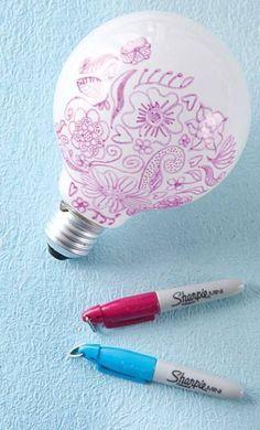 Écrire sur une ampoules avec un marker sharpie !
