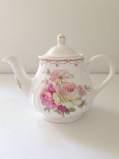 English Arthur Wood and Son Staffordshire 4 - 6 Cup Teapot Tea Party Cottage Style Decor