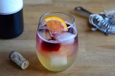 New York Sour | Barman's Journal A delicious summery cocktail that is better than sangria. #Whiskey #Sours #wine #betterthansangria #wine #cocktail