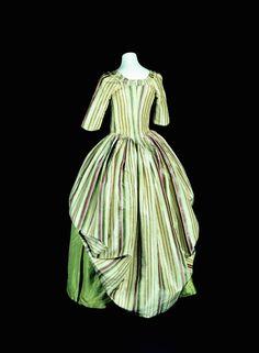 fripperiesandfobs: Robe à l'anglaise retroussée ca. 1780From the Kunstgewerbemuseum, Staatliche Museen zu Berlin via Europeana Fashion