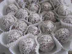 kókuszos golyók - Google keresés Posne Torte, Blueberry, Fruit, Food, Google, Berry, Essen, Meals, Yemek