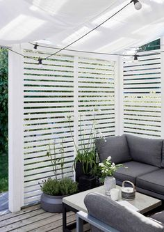 Wooden Pergola Moderne - Pergola Ideas On A Budget Rustic - - Diy Pergola, Small Pergola, Pergola Shade, Diy Patio, Pergola Plans, Backyard Patio, Pergola Kits, Pergola Ideas, Small Patio
