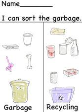 Gute Idee für die Küche. Nehmt euch Zeit und malt mit euren Kleinen alle möglichen Arten von Müll auf - das Recyclen klappt danach bestimmt!