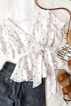 Artemis White and Tan Polka Dot Peplum Top 5 Cute Summer Outfits, Cute Casual Outfits, Stylish Outfits, Spring Outfits, Girls Fashion Clothes, Fashion Outfits, Fashion Trends, Peplum Top Outfits, Peplum Tops
