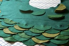How to make scalloped tree skirt