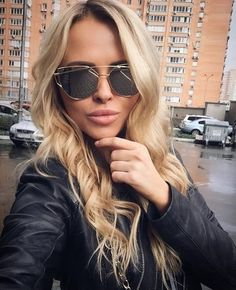 https://juswynning.com/collections/eyewear/products/love-punch-double-bar-sunglasses?variant=23877302214https://juswynning.com/collections/eyewear/products/love-punch-double-bar-sunglasses?variant=23877302214  FREE SHIPPING!!!!