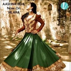 Designer Aashna Behl exhibits her label specialised in women's ethnic and western wear merchandise which pioneers the use of Indian textiles along with traditional embroideries in the construction of modern silhouettes. Shop collection here : https://goo.gl/a910Kb #designerwear #aashnebehl #indiantraditions #shophere