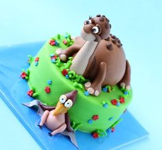 Land Before Time Little Foot and Petrie Cake ©leonietje