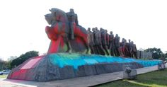 SP: monumento às Bandeiras, Borba Gato e Secretaria da Educação são pichados