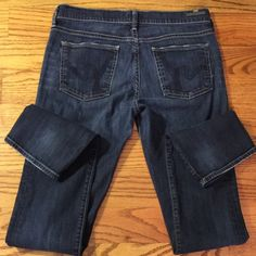 Citizens of Humanity Jeans Citizens of Humanity Jeans - size 28 / 32 inseam. Ava Low Rise Straight Leg Citizens of Humanity Jeans Straight Leg