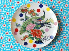 The peacock and dots plate by Ninainvorm on Etsy, Plates And Bowls, Plates On Wall, Charger Plates, My Cup Of Tea, Tea Cup Saucer, Earthenware, Creative Crafts, Home Decor Inspiration, Dinnerware