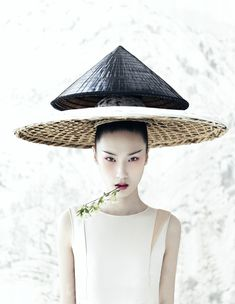 Photographer Yin Chao brings the sensibilities of the East to the West in 'Harmony' http://www.chinesefashionstyle.com/