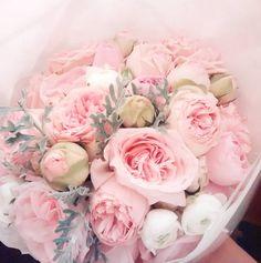 « Super romantisch #bruidsboeket met heerlijke rozen geur... voor lieve #bridetobe Zeyneb. #gelinbuketi #bridalbouquet »
