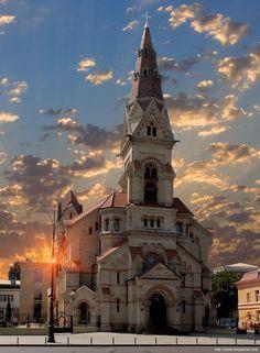 В Одессе немало культовых зданий, принадлежащих различным религиозным конфессиям. Среди них долгие десятилетия…