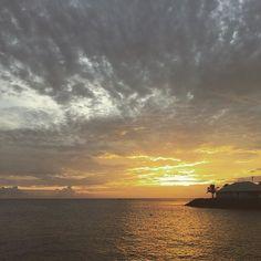 """#Madinina vue par @heleneudo: """"Coucher de soleil sur Schoelcher #sunset #martinique #happy"""" #WeLike ! A voir sur Instagram : http://ift.tt/24ht58s"""
