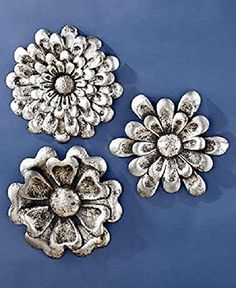 This Set of 3 Metal Wall Flowers will instantly become of the focal point of your room. Each oversized flower has a different shape that complements your style. A distressed, metallic finish adds interest. Hang together for coordinated decor or separatel Metal Flower Wall Art, Flower Wall Decor, Floral Wall Art, Metal Wall Art, Wall Decor Set, Wall Art Sets, Wall Decorations, Painting Shower, Metal Tree