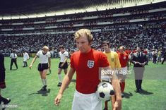 World Cup Quarter Final 1970 England 2 West Germany 3 after extra time Estadio Nou Camp, Bobby Moore leads the England team out, ready for kick off. Pure Football, Retro Football, World Football, Vintage Football, Football Team, Bobby Moore, England Vs Germany, Mexico Canada, 1970 World Cup