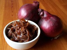 Caramelized Red Onion Jam recipe: Try this Caramelized Red Onion Jam recipe, or contribute your own. Caramelised Onion Chutney, Red Onion Chutney, Red Onion Jam, Caramelized Onions Recipe, Onion Relish, Relish Recipes, Uk Recipes, Chutney Recipes, Vegan Recipes