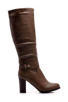 KOZAČKY NA stĺpikové podpätku, classic fashion Dámske čižmy v klasickom štýle. Stĺpikový podpätok zaisťuje väčšie pohodlie pri nosení. U členku zdobené zlatou sponou. Zapínanie na zips doplnené elastickými páskami. https://cosmopolitus.eu/product-slo-41920-KOZACKY-NA-stlpikove-podpatku-classic-fashion.html #zeny  #topanky #jesen #zima #modne #elegantne #modne #navrharstvo #lacne #zeny