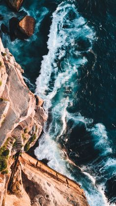 Iphone wallpaper aerial photography of rocky mountain and beach Teulia View Wallpaper, Ocean Wallpaper, Nature Wallpaper, Wallpaper Backgrounds, Iphone Wallpaper, Wallpaper Stairs, Aerial Photography, Nature Photography, Travel Photography