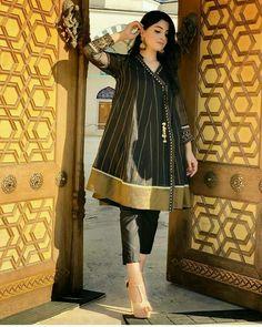 Simple Pakistani Dresses, Pakistani Dress Design, Indian Dresses, Pakistani Frocks, Eid Dresses, Pakistani Actress, Pakistani Fashion Party Wear, Pakistani Wedding Outfits, Indian Fashion