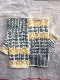 Ravelry: Bunty Mitts pattern by Ella Austin