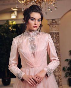 Özel bir gün planlayıp muhteşem görünmek isterseniz bekleriz... #houtecouture #abiye #gelinlik #fashion #fashionblogger #modest #moda #nişan
