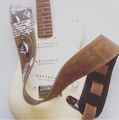Een persoonlijke favoriet uit mijn Etsy shop https://www.etsy.com/nl/listing/255963974/raven-guitar-straps-leather-guitar-strap