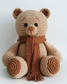 Hello You will love these crochet toys. You can find it on the amigurumi menu for tutorial. Crochet Bear Patterns, Granny Square Crochet Pattern, Crochet Granny, Crochet Animals, Crochet Stitches, Crochet Teddy, Crochet Cross, Crochet Art, Crochet Dolls